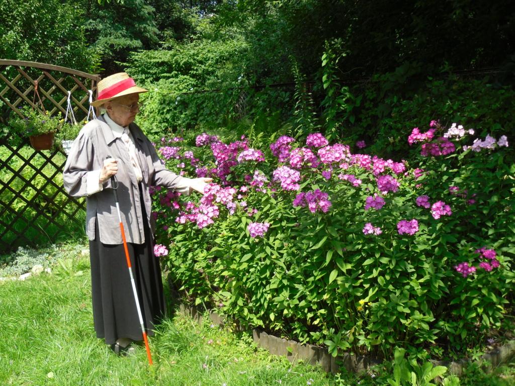 Zasłużona Kombatantka w ogrodzie im Polskich Kombatantów